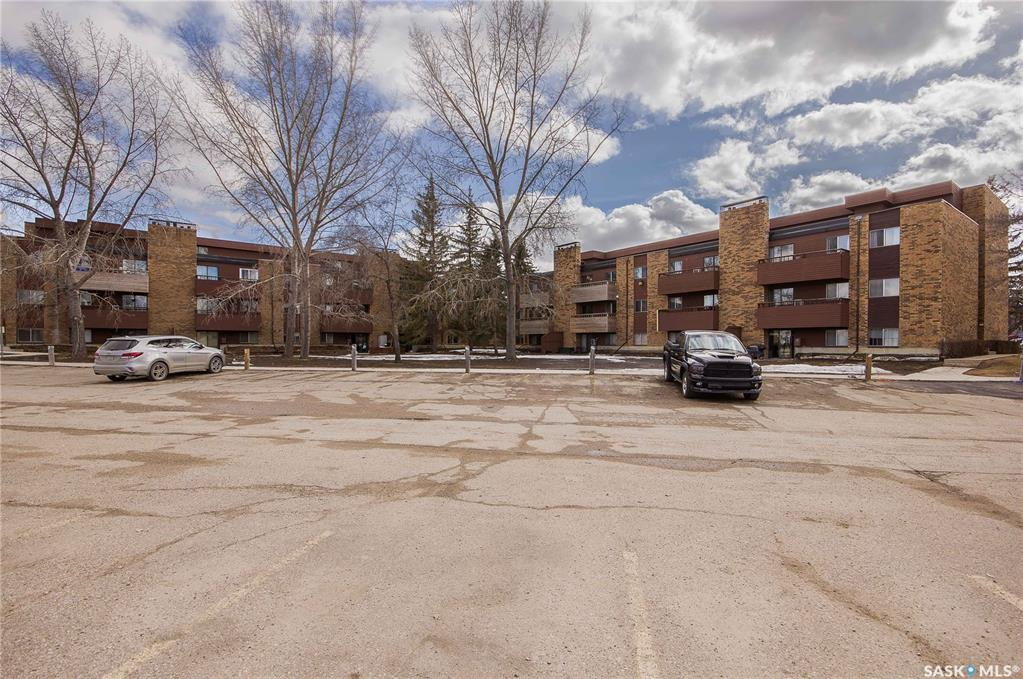802 A Kingsmere Boulevard #208, 2 bed, 1 bath, at $109,900