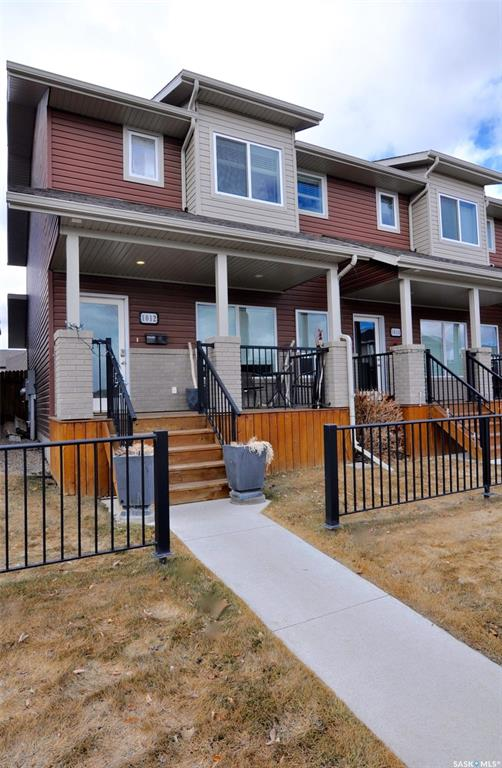 1012 Willowgrove Crescent, 2 bed, 3 bath, at $322,900