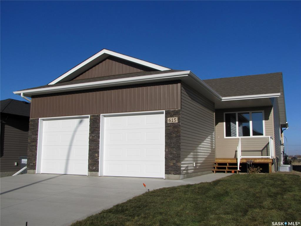 615 Kinloch Crescent, 3 bed, 2 bath, at $349,000
