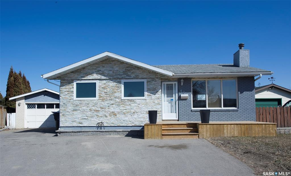 10 Mccully Crescent, 4 bed, 2 bath, at $329,900