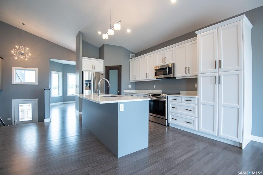 18 Meadowview Bluff, 3 bed, 2 bath, at $569,900