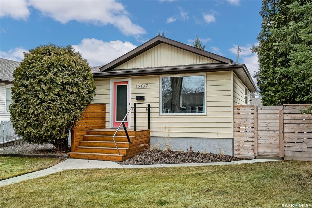 1207 Cairns Avenue, 2 bed, 2 bath, at $405,000