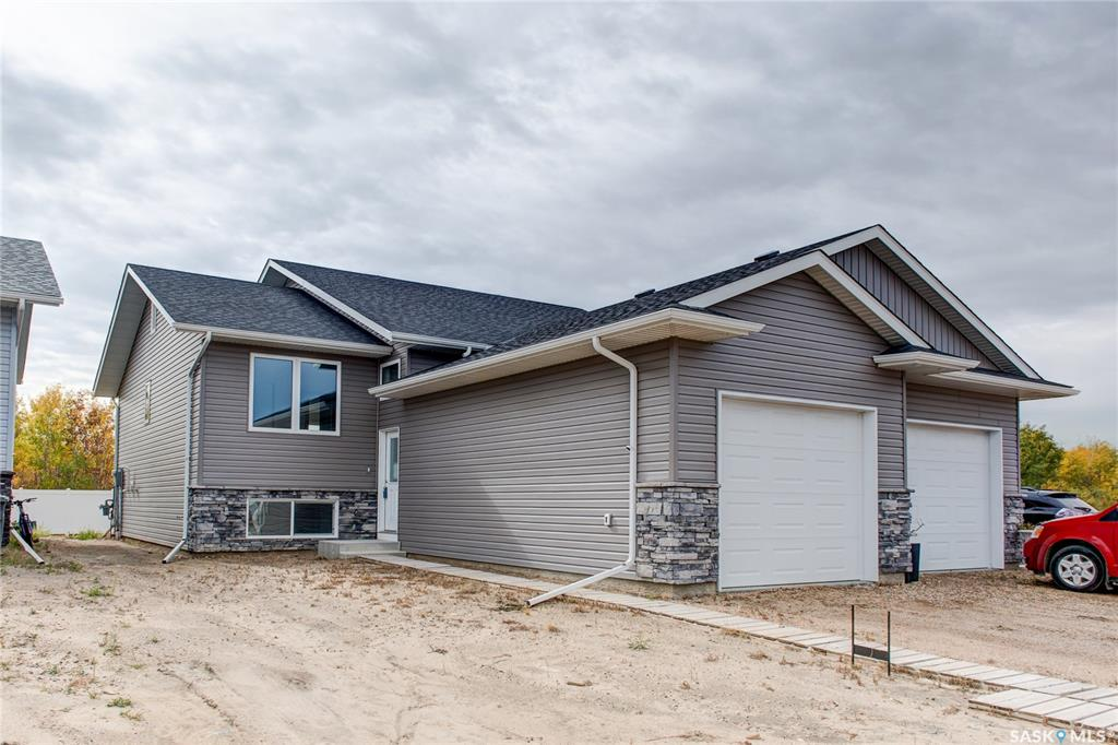 317 Reddekopp Crescent, 3 bed, 2 bath, at $294,900