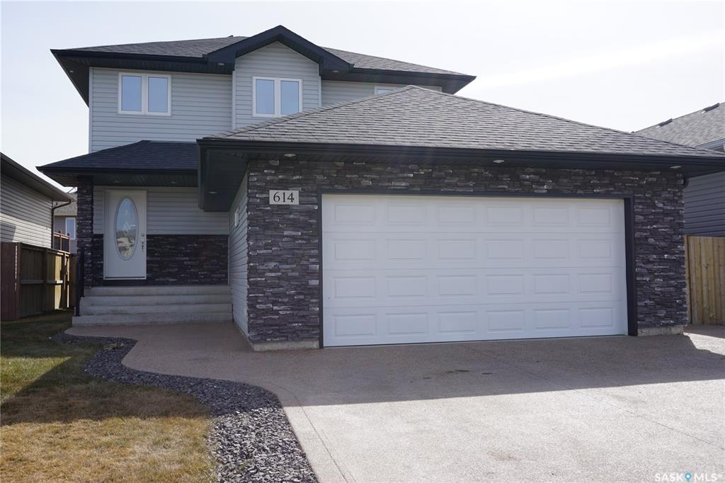 614 Dickson Crescent, 3 bed, 4 bath, at $439,900
