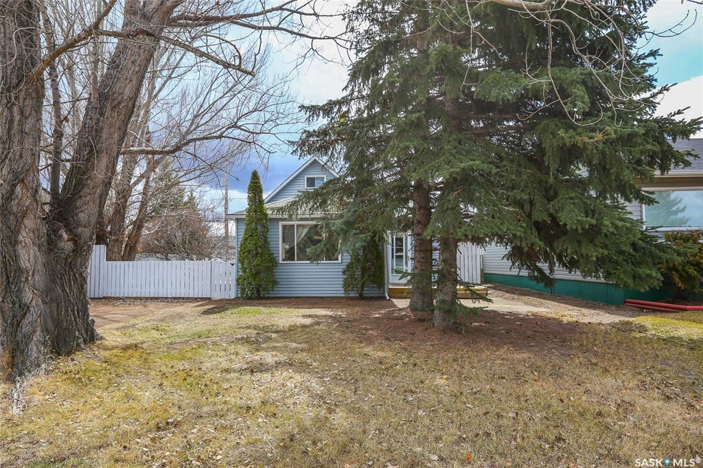612 1st Street, 3 bed, 1 bath, at $209,900