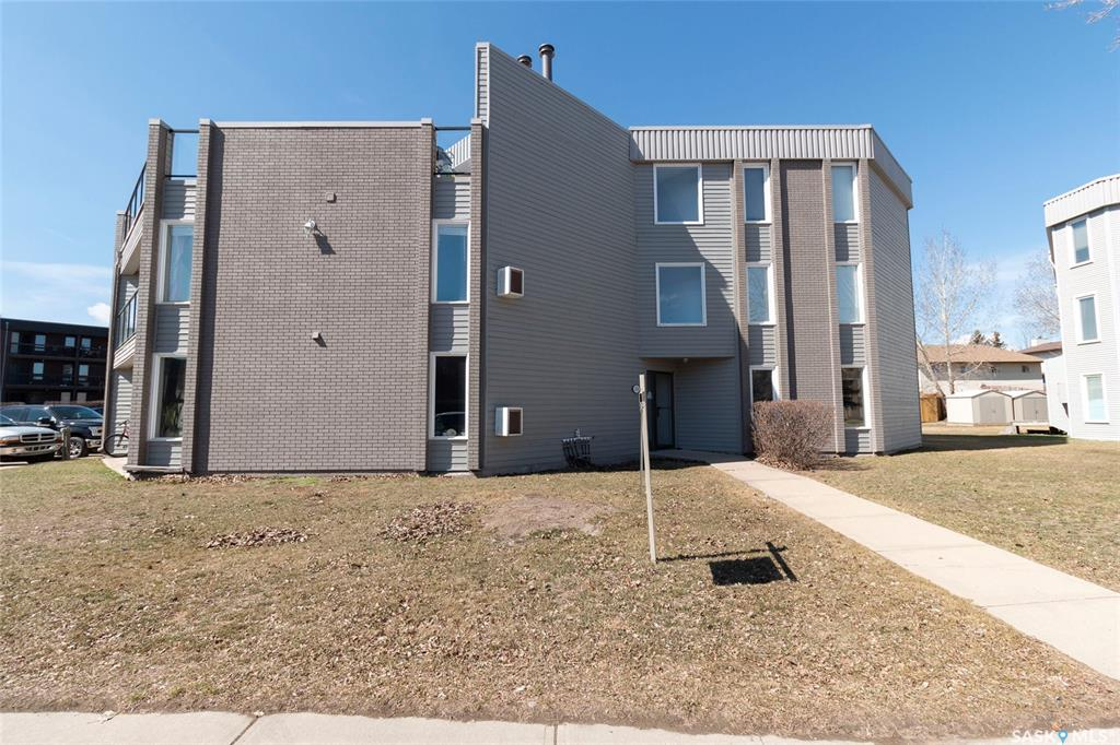 314 Tait Crescent #301, 2 bed, 1 bath, at $129,900