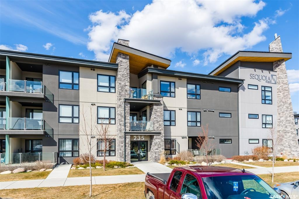 235 Evergreen Square #121, 2 bed, 2 bath, at $275,000