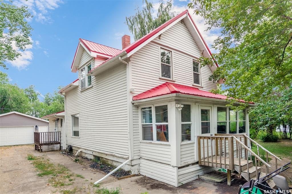 813 8th Street E, 3 bed, 2 bath, at $184,900