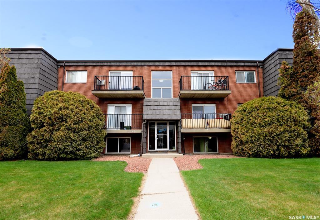 20 Assiniboine Drive #27, 2 bed, 1 bath, at $159,900