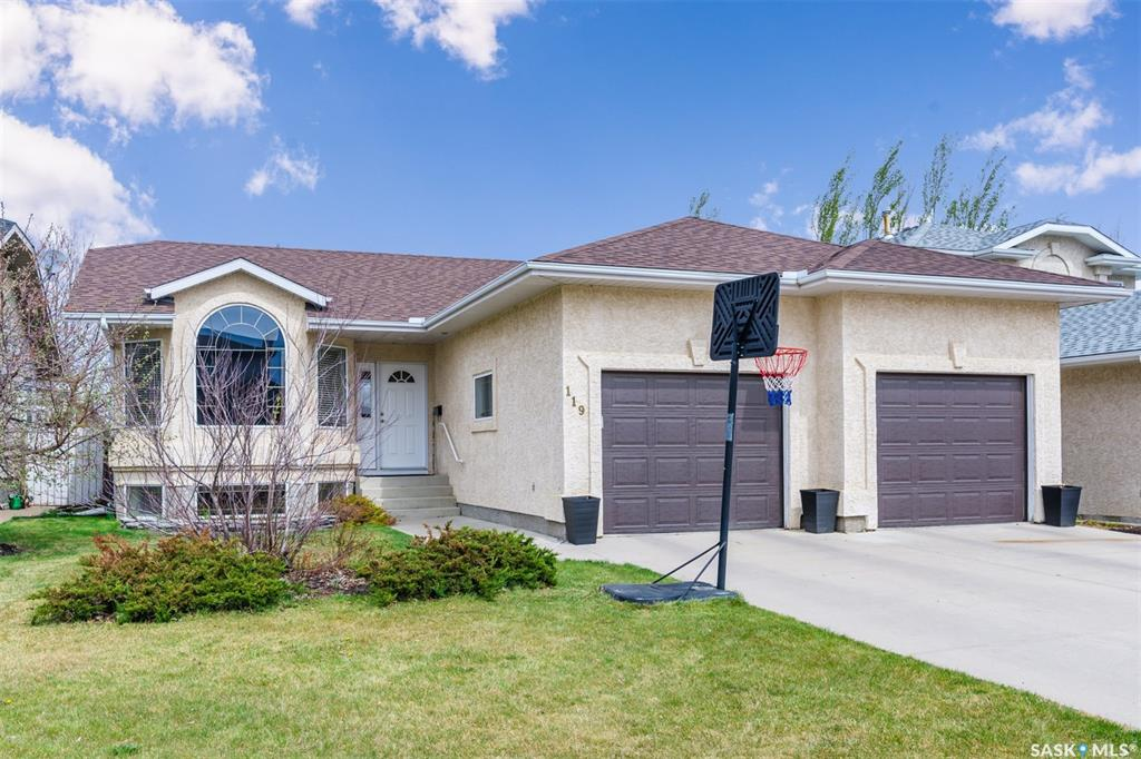 119 Beerling Crescent, 4 bed, 3 bath, at $419,900