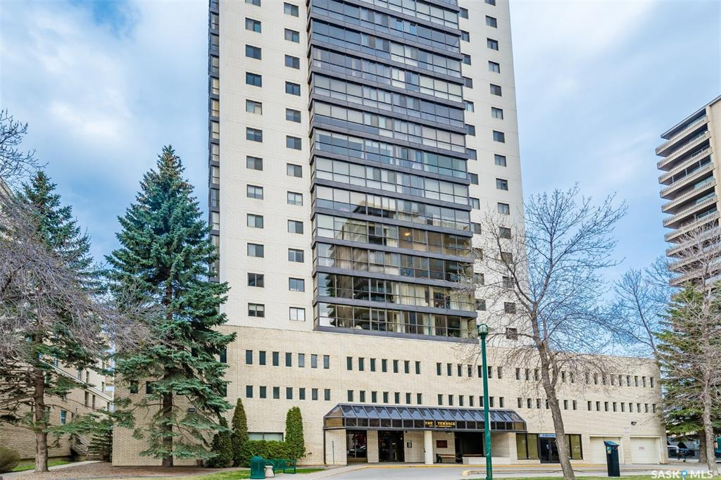 315 5th Avenue N #1402, 2 bed, 2 bath, at $259,900