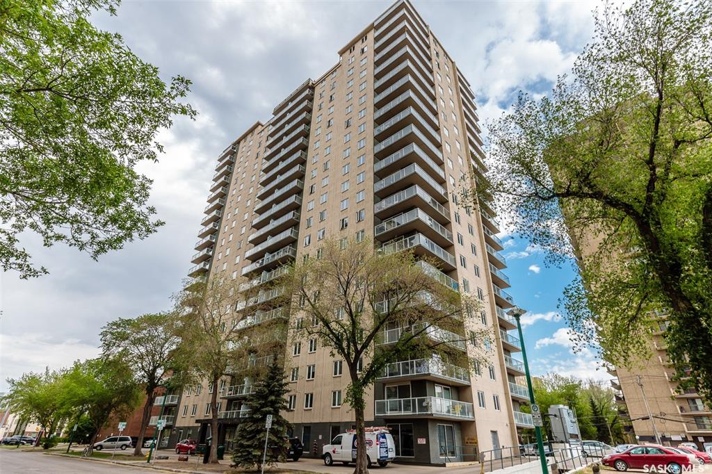 320 5th Avenue #702, 2 bed, 1 bath, at $255,900