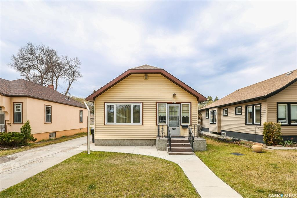 809 E Avenue N, 2 bed, 1 bath, at $229,900