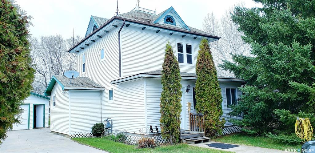 308 1st Street S, 3 bed, 2 bath, at $169,000