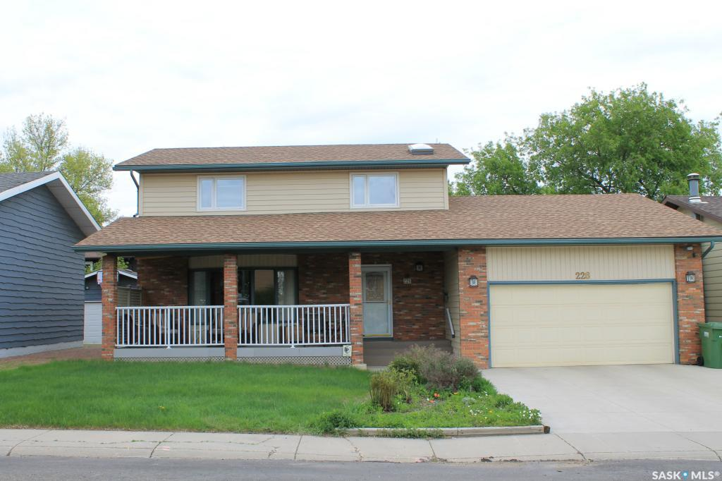 226 Frobisher Crescent, 4 bed, 4 bath, at $449,900