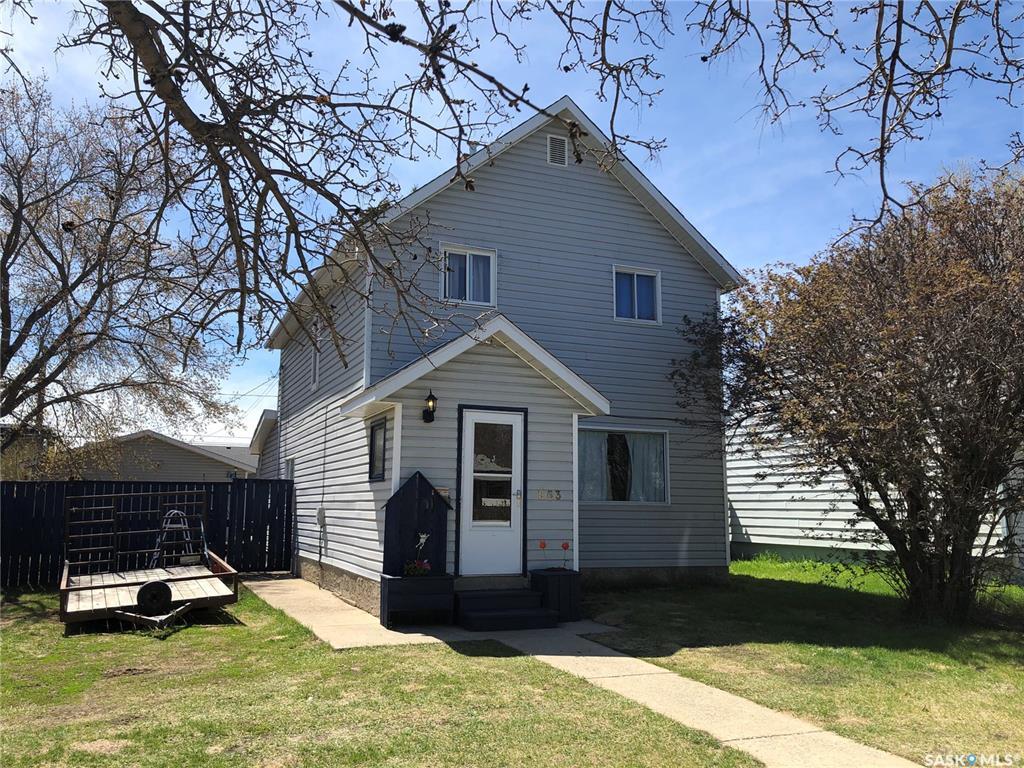 863 4th Street E, 3 bed, 2 bath, at $134,900