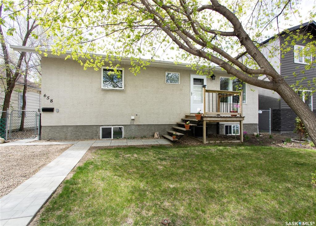 658 Wascana Street, 5 bed, 2 bath, at $229,900