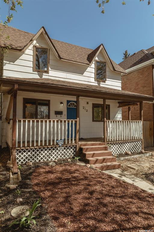 212 26th Street W, 3 bed, 2 bath, at $229,900