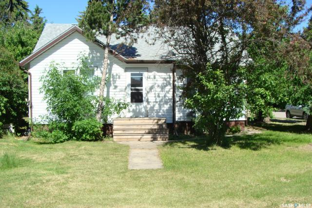 401 3rd Street E, 3 bed, 1 bath, at $114,900