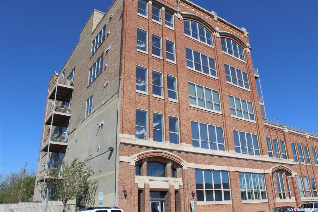 211 D Avenue N #202, 2 bed, 2 bath, at $460,000