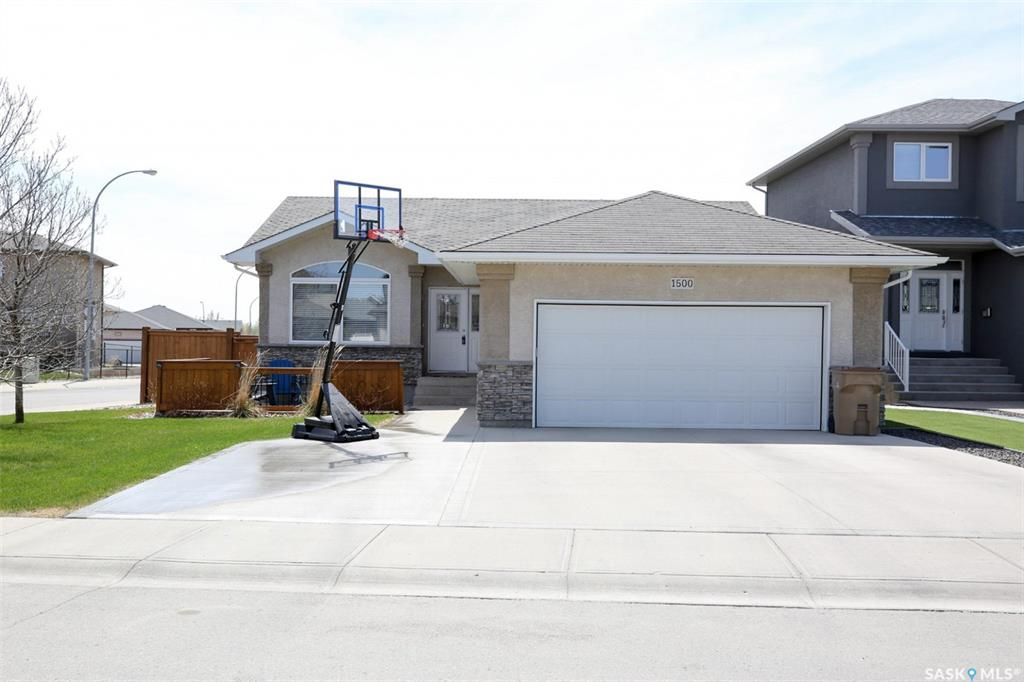 1500 Maple Hill Crescent N, 4 bed, 3 bath, at $449,900