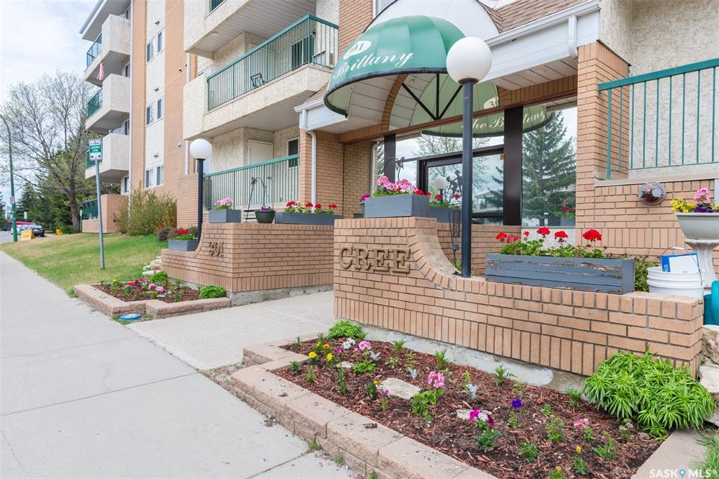 301 Cree Crescent #110, 2 bed, 2 bath, at $189,900