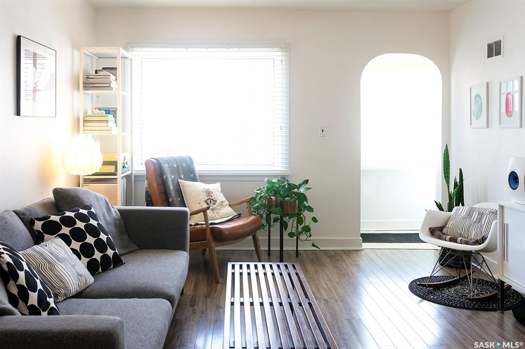 424 H Avenue S, 2 bed, 2 bath, at $289,900