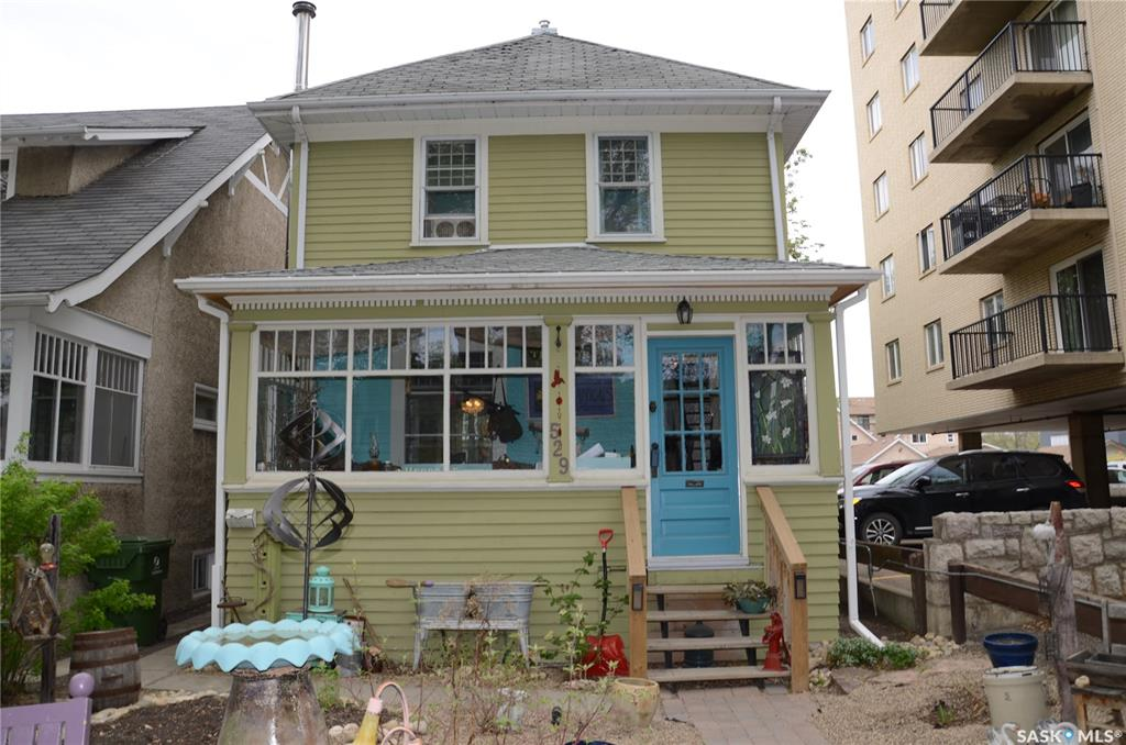 529 4th Avenue N, 3 bed, 1 bath, at $324,900