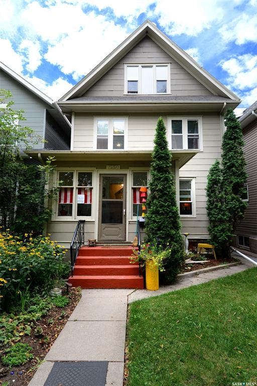 726 8th Avenue N, 5 bed, 5 bath, at $474,900