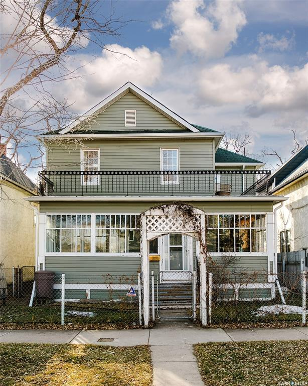 521 G Avenue S, 4 bed, 1 bath, at $309,900