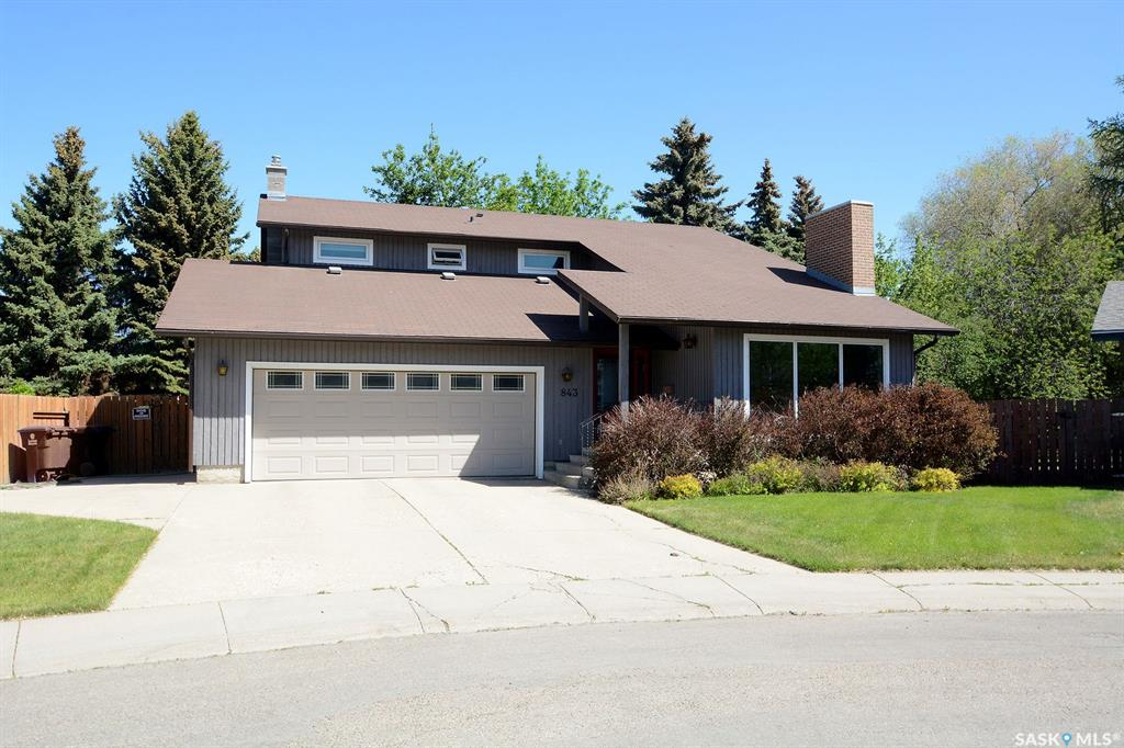 843 Coppermine Crescent, 4 bed, 4 bath, at $489,900