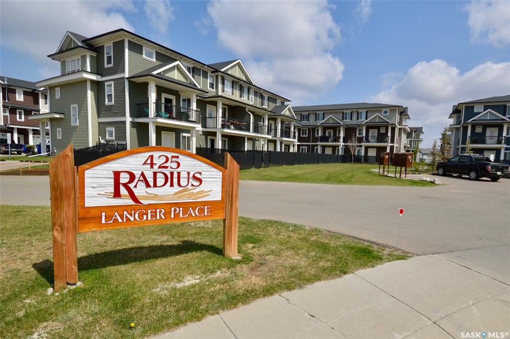 425 Langer Place #25, 3 bed, 3 bath, at $284,900