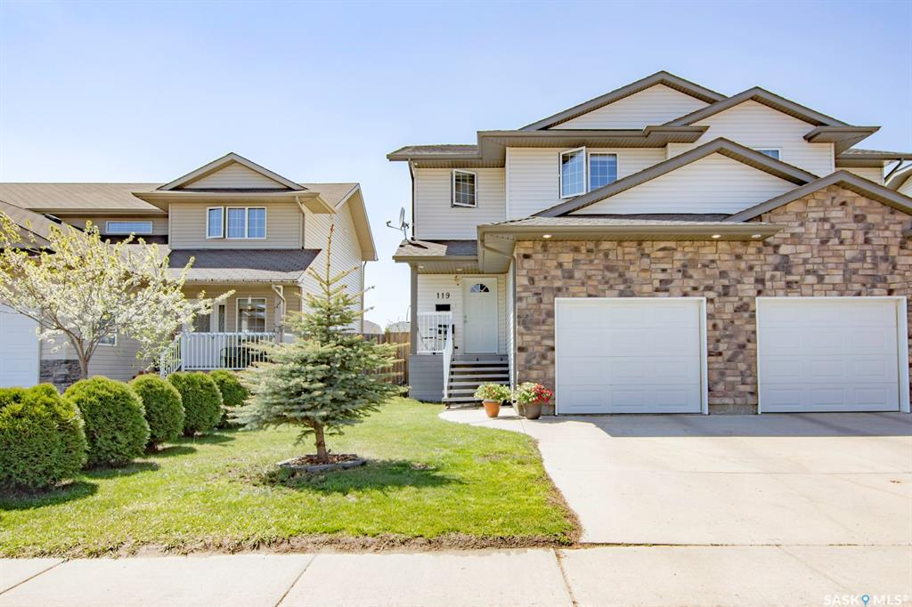 119 Meadowlark Park, 3 bed, 3 bath, at $284,900