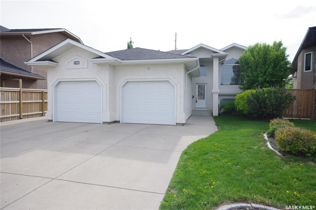 738 Wright Crescent, 5 bed, 3 bath, at $464,900