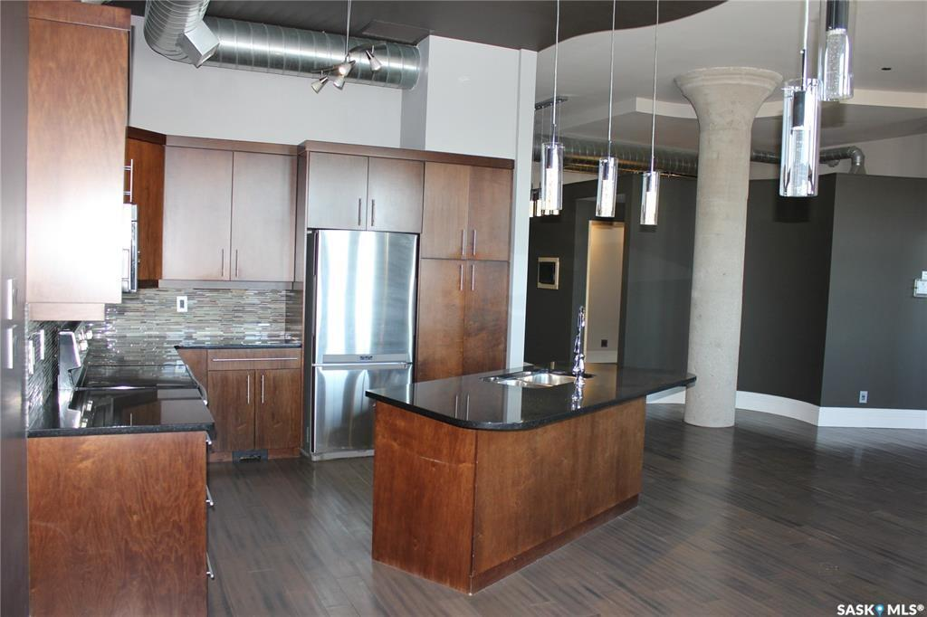 73 24th Street E #404, 1 bed, 2 bath, at $349,900