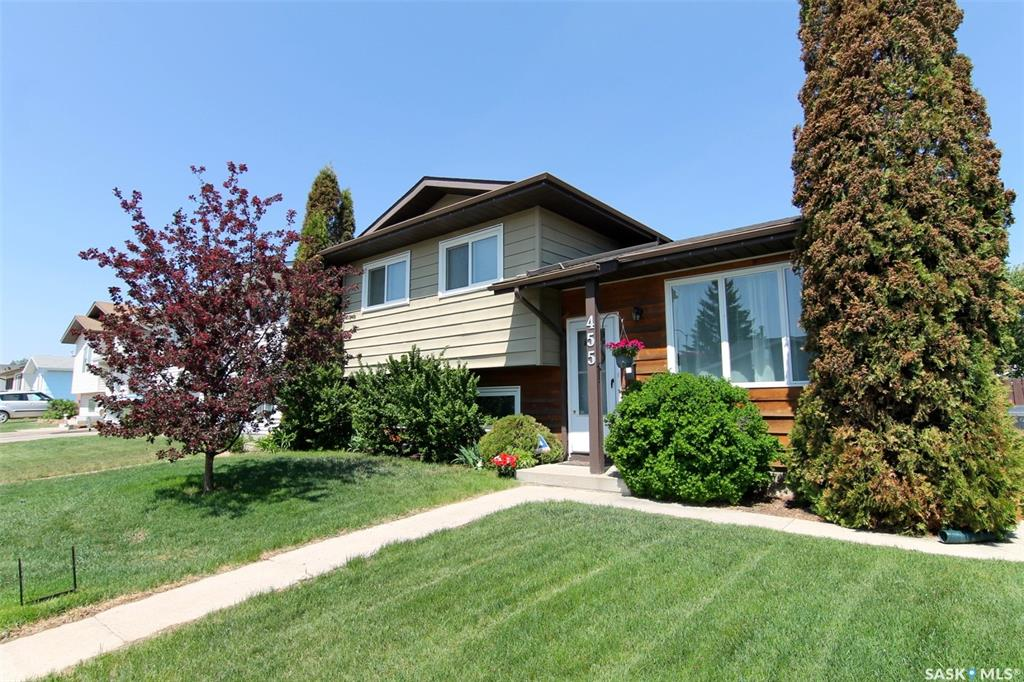 455 Whelan Crescent, 3 bed, 2 bath, at $329,900