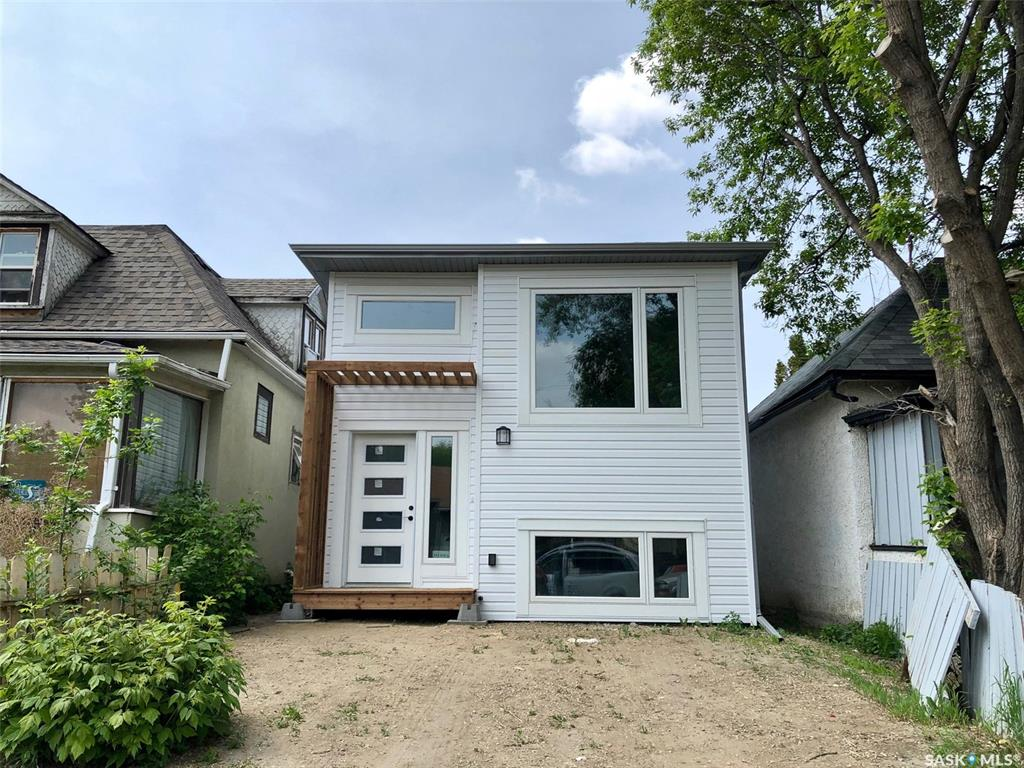 333 S Avenue S, 5 bed, 2 bath, at $289,900