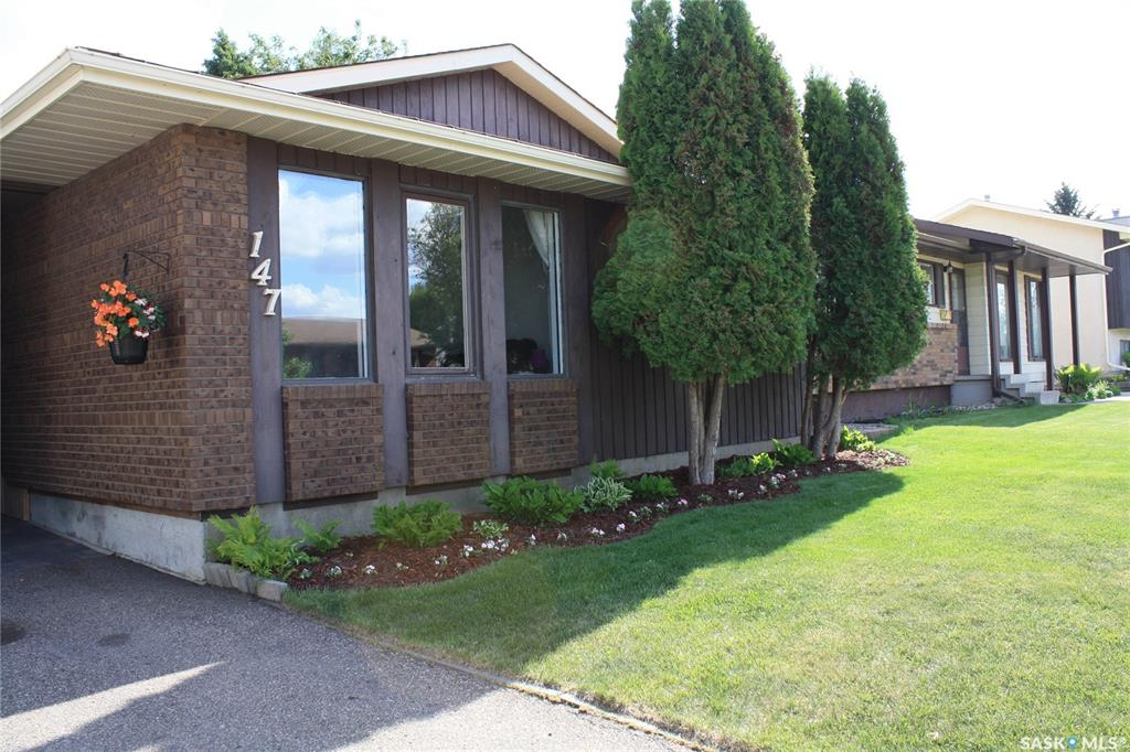 147 Nesbitt Crescent, 4 bed, 2 bath, at $299,900