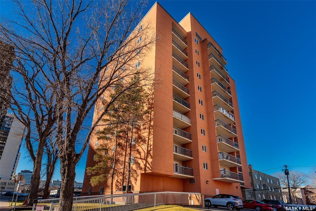 405 5th Avenue N #504, 2 bed, 1 bath, at $209,900