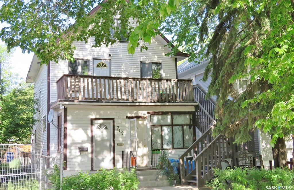 713 E Avenue N, 4 bed, 4 bath, at $250,000