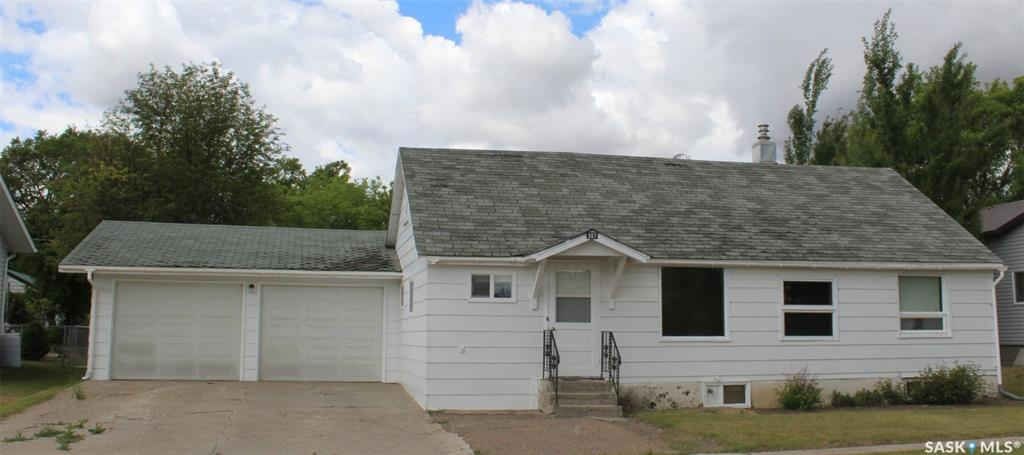307 4th Street E, 2 bed, 1 bath, at $69,000