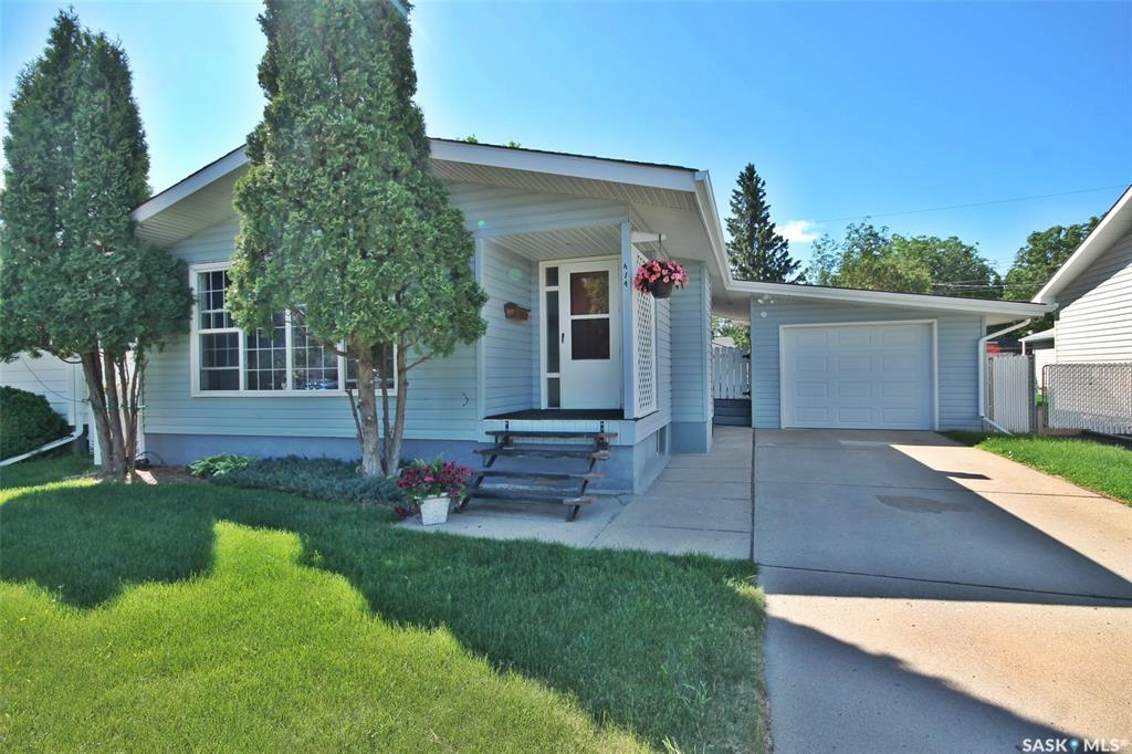 414 Adelaide Street E, 3 bed, 2 bath, at $299,900