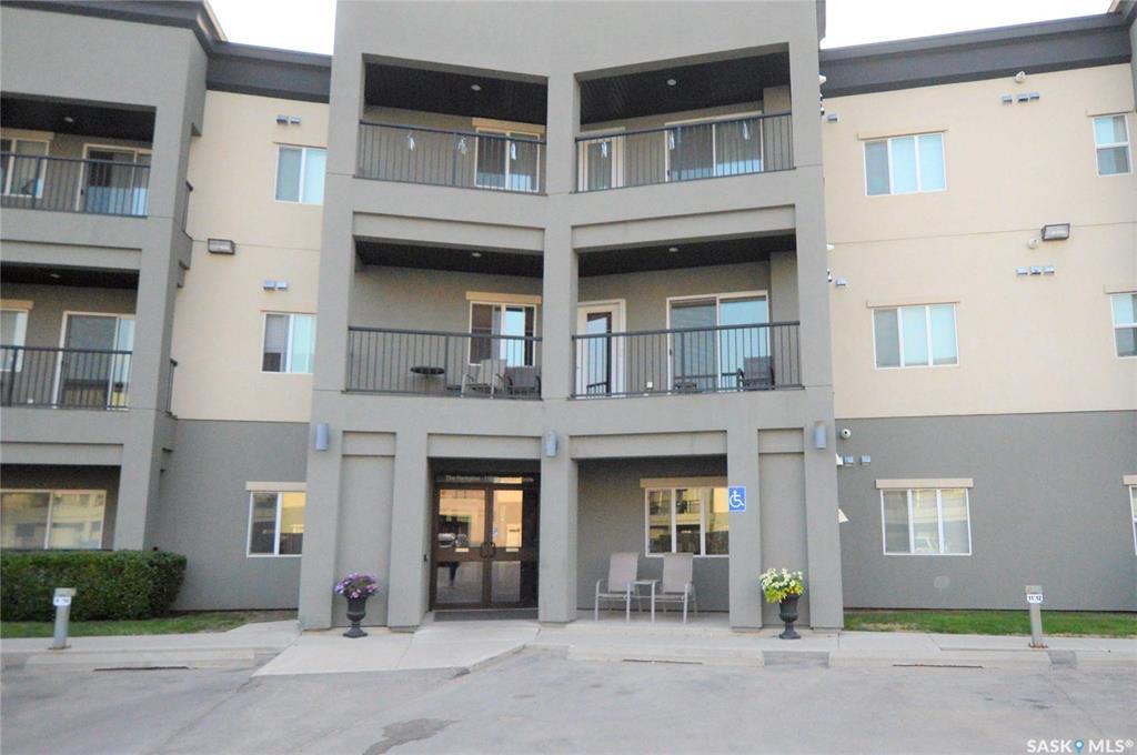 110 Hampton Circle #313, 2 bed, 2 bath, at $262,900