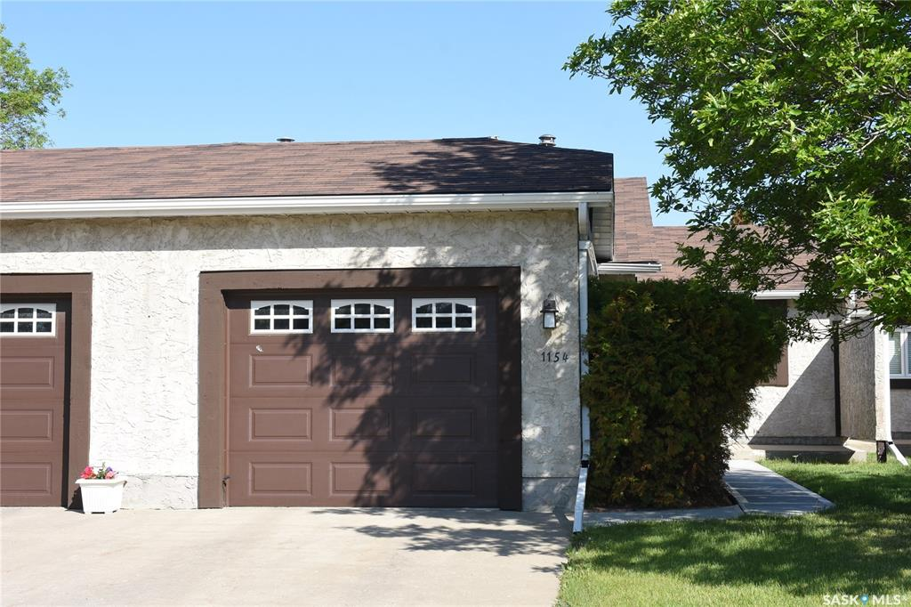 1154 Gryphons Walk, 2 bed, 2 bath, at $369,900