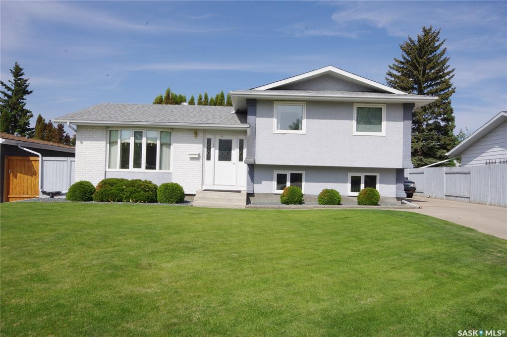 305 Clearwater Place, 4 bed, 3 bath, at $399,900