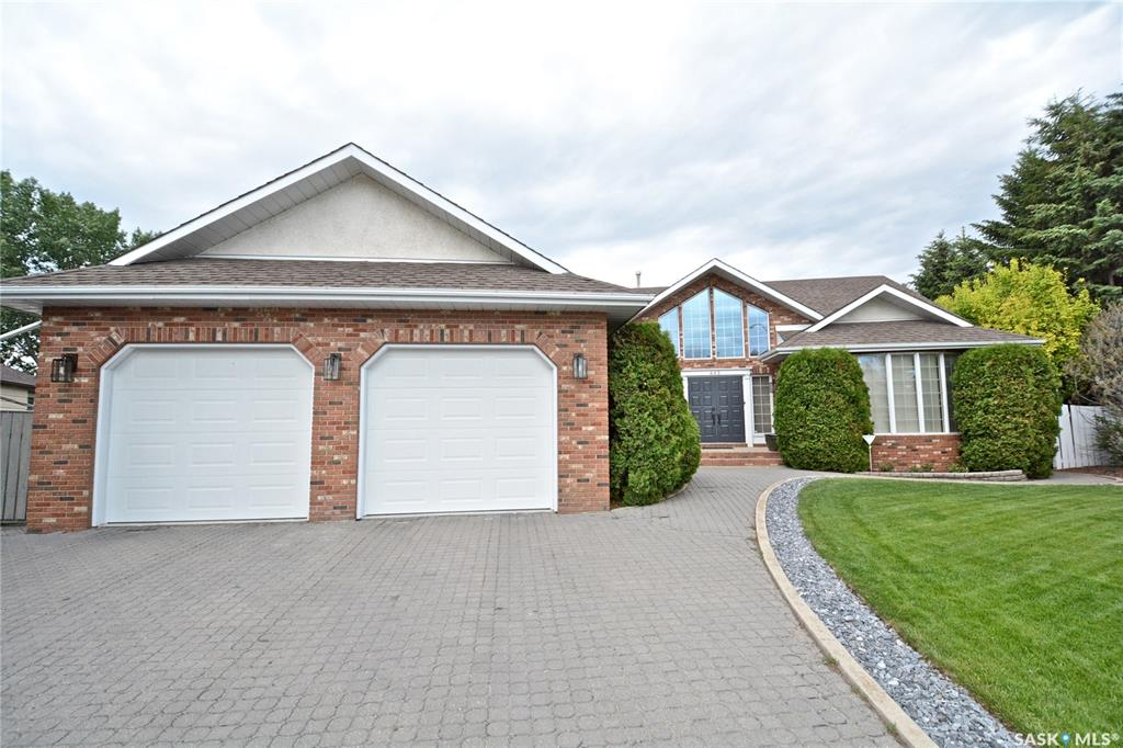 443 Neusch Crescent, 4 bed, 3 bath, at $769,800