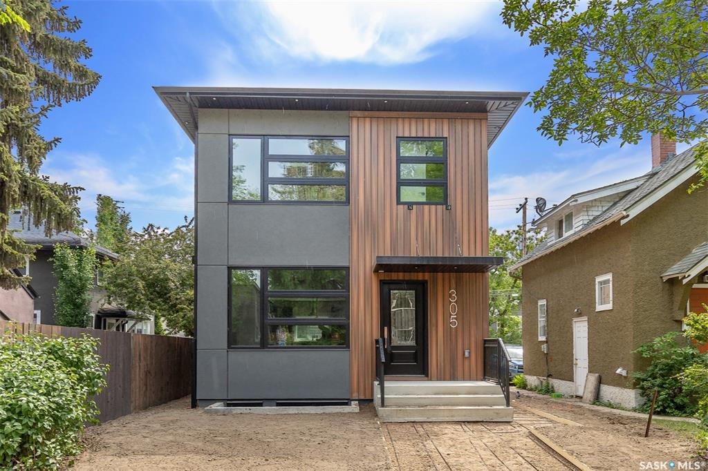 305 Clarence Avenue S, 5 bed, 4 bath, at $579,000