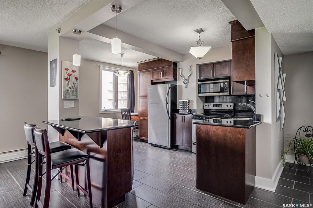 320 5th Avenue N #2105, 1 bed, 1 bath, at $289,900
