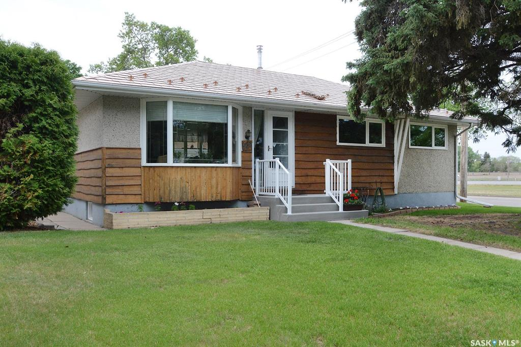 937 V Avenue N, 4 bed, 2 bath, at $279,000