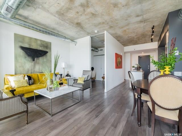 490 2nd Avenue S #1402, 2 bed, 2 bath, at $668,900